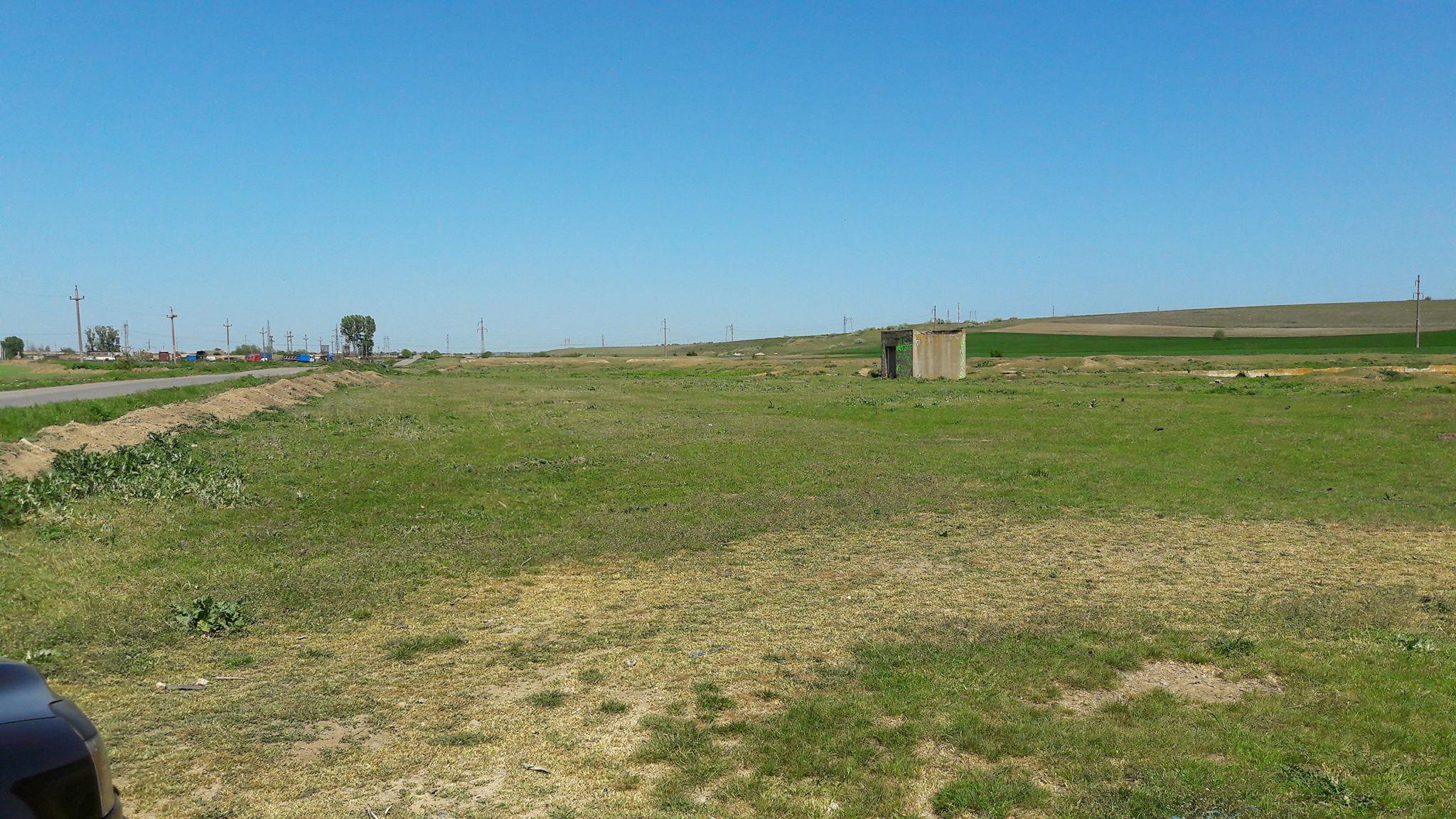 Vanzare teren Nisipari